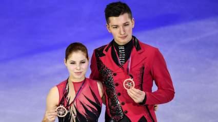 Чемпионка мира по фигурному катанию Анастасия Мишина ударилась на выступлении