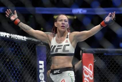 Девушка-боец Кристина Сайборг посоветовала Джону Джонсу перейти в Bellator
