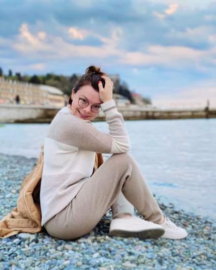 Жена Петросяна раскритиковала блогеров, сливающих свой негатив в Сеть на неизвестных людей