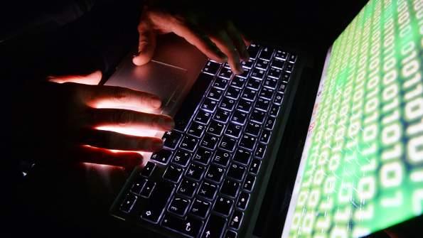 Эксперты предупредили россиян о готовящейся кибератаке на банковские счета в мае