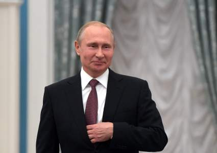 Путин предложил выплату семьям школьников по 10 тысяч рублей на ребенка