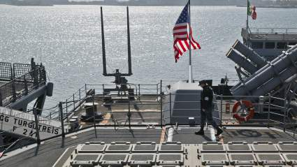 Пресс-секретарь Кирби обещал продолжить проводить операции ВМС США в Черном море