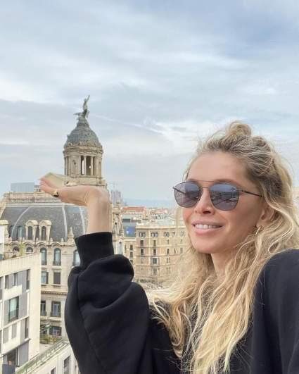 """Полиция Барселоны задержала певицу Веру Брежневу перед съемками телепроекта """"Орел и решка"""""""