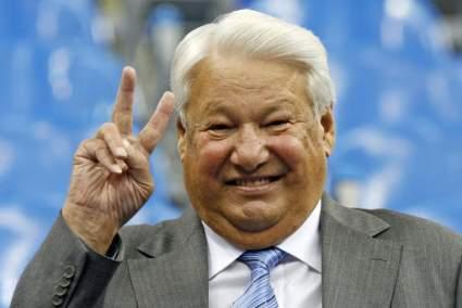 Политолог Калачев предлагал экс-президенту России Ельцину перейти с водки на пиво