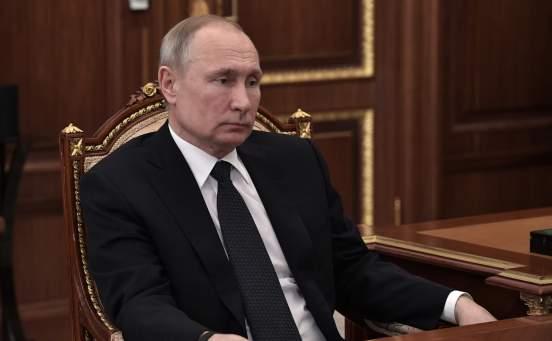 Путин поручил ввести выплаты на детей до 16 лет из неполных семей в размере 5600 рублей