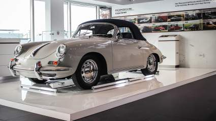 В масштабном конкурсе отреставрируют сорок автомобилей Porsche Classic