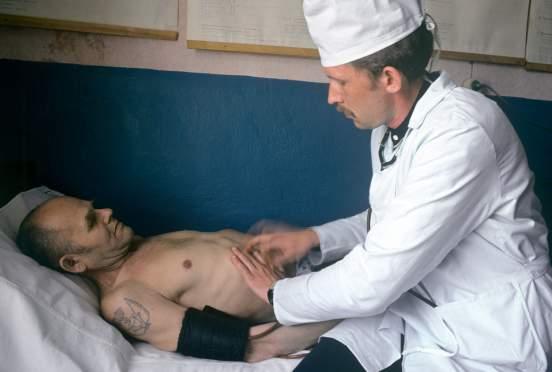 Врач рассказал о реальной ситуации с медициной в тюрьмах России