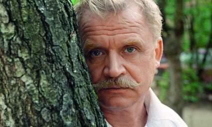 80-летний актер Никоненко заявил, что ему до сих пор предлагают постельные сцены