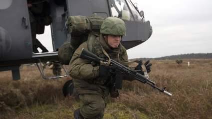 Для защиты Крыма ВС РФ перебросили в регион 76-ю десантно-штурмовую дивизию ВДВ из Пскова
