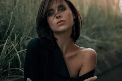 Актриса Мирослава Карпович рассказала, что в этом году потеряла отца
