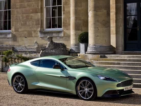Главный дизайнер Aston Martin рассказал о вдохновении в работе над раскраской машин