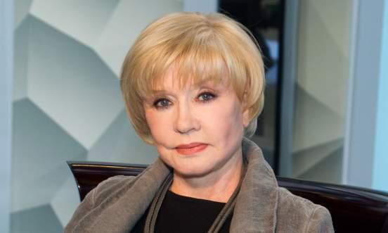 79-летняя актриса Вера Алентова рассказала, что худеет на творожной диете