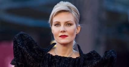 """54-летняя актриса Литвинова поделилась """"честным"""" селфи без макияжа"""
