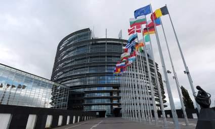 Европарламент внес в свою резолюцию отключение России от SWIFT