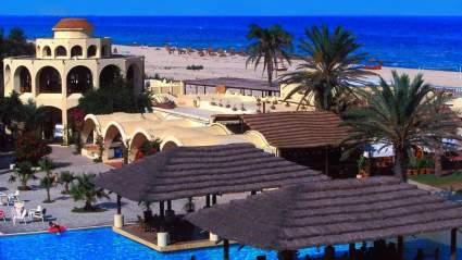 Тунис открывает авиасообщения для других стран и готовится принять туристов