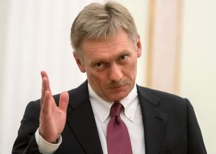 В Кремле назвали ситуацию вокруг дипломатов посольства России в Чехии истерикой