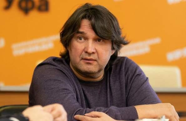 В сети появились документы с данными по зарплате Шамиля Газизова в «Спартаке»