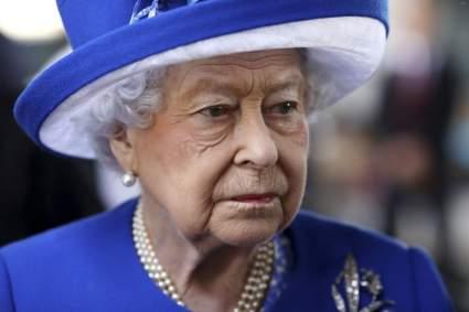 Королева Елизавета II вернулась к своим обязанностям после смерти принца Филиппа