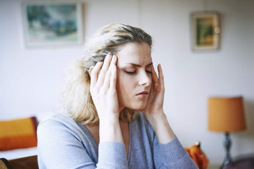 Как снять головную боль при повышенном давлении