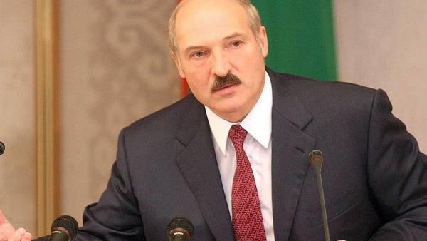Лукашенко считает, что протесты в Белоруссии организовали за рубежом