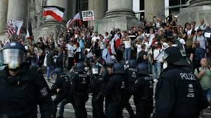Вчера: Президент ФРГ назвал протесты в Берлине «ударом в сердце демократии»