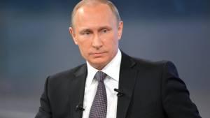 Путин подписал указ о выдаче Медведеву дипломатического паспорта