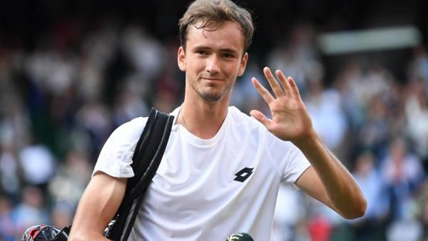 Российского теннисиста Даниила Медведева лишили прав в Монако
