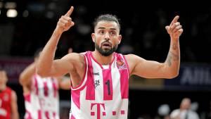 Распространял теории заговора: немецкий баскетболист уволен из клуба