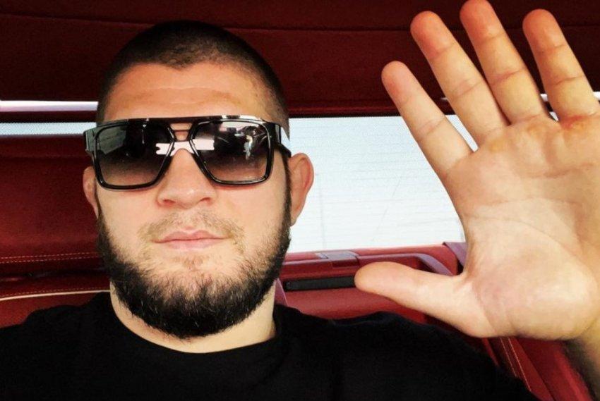 Боец Хабиб Нурмагомедов показал фото с футбольной тренировки