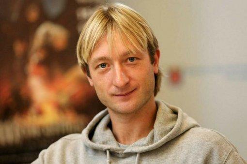 Фигурист Плющенко рассказал о первом походе в баню своего 10-месячного сына Арсения