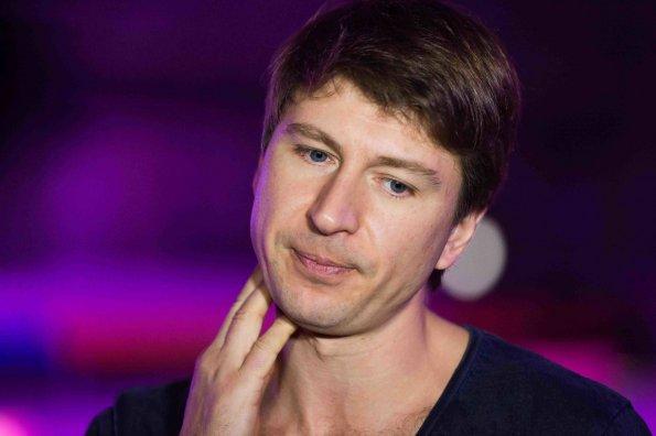 Телеведущий Ягудин признался, что его обзывали хомяком и табуреткой в детстве