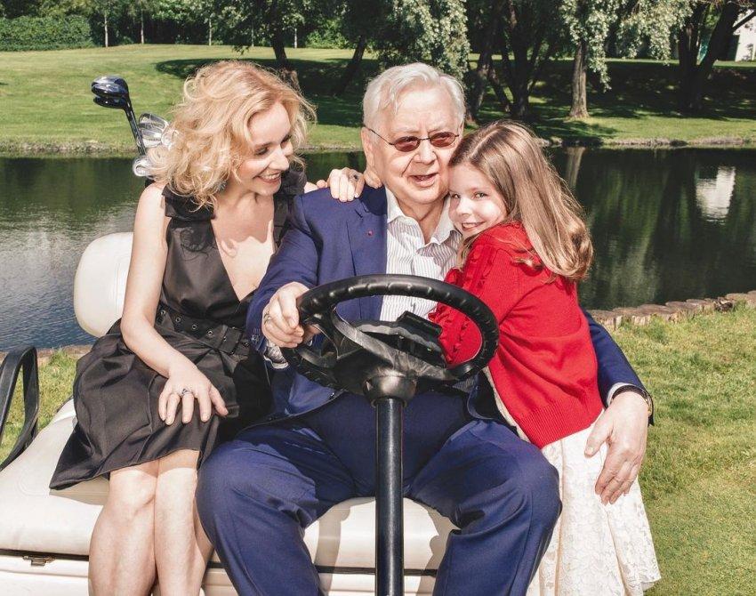 «Копия Олега Табакова»: вдова режиссёра Марина Зудина удивила публику фотографией внучки