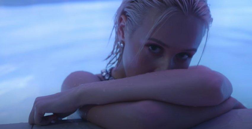 Клава Кока снялась в откровенном клипе на песню «Точка»