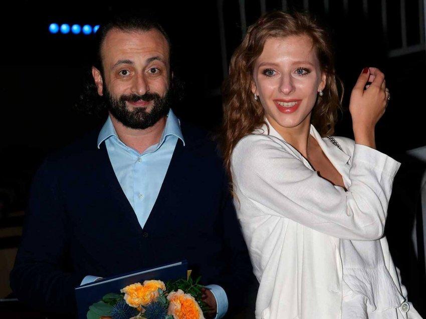 Хореограф Илья Авербух забрал из роддома жену Елизавету Арзамасову с новорожденным сыном