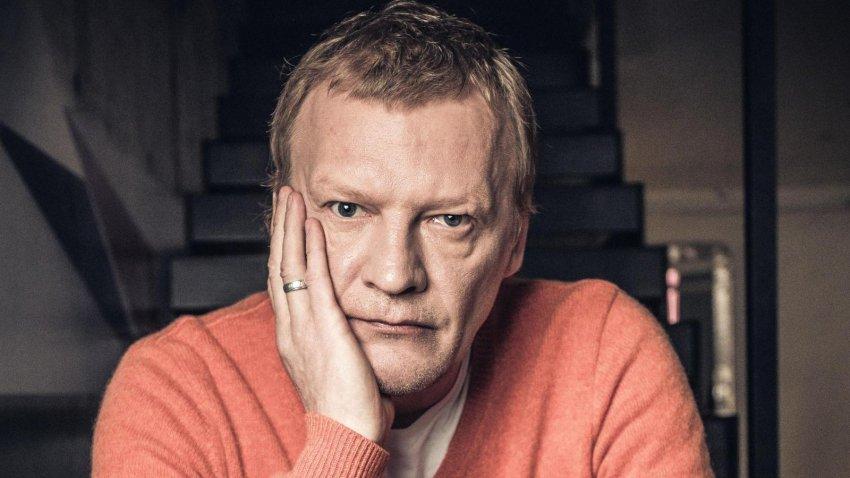 Актера Алексей Серебряков попросил поклонников помощи в борьбе с мошенниками в соцсетях