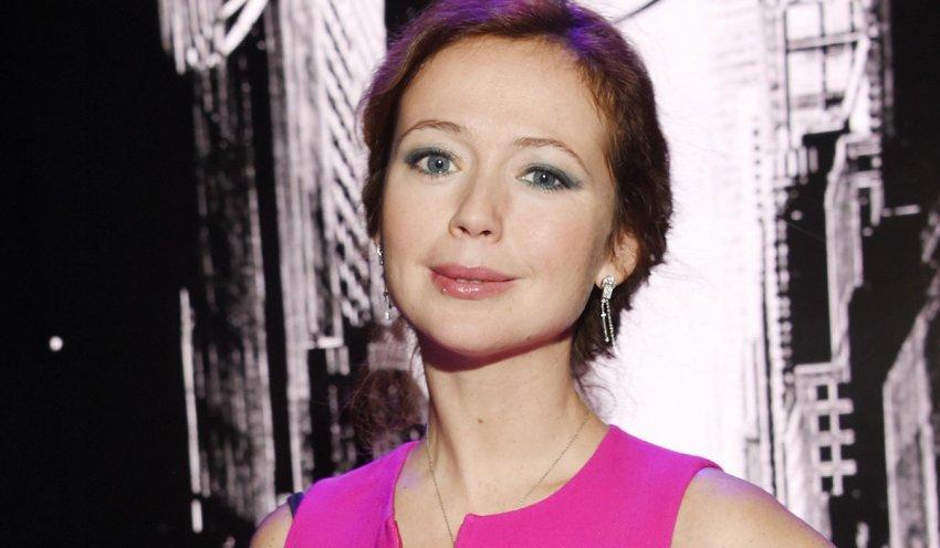 Актриса Елена Захарова сообщила, что набрала лишний вес на отдыхе