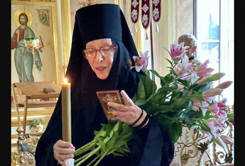 Подруга Екатерины Васильевой рассказала, что привело артистку к постригу в монахини