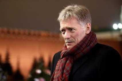 Песков прокомментировал возможность сокращения новогодних каникул из-за выходного 31 декабря