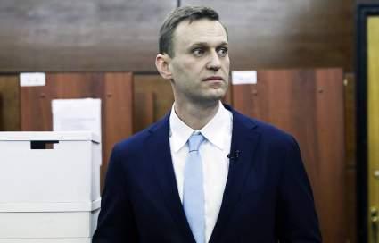 Вчера: Сотрудник ФСБ признался в причастности к отравлению Навального