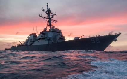 Американский эсминец «Джон Маккейн» снова спровоцировал корабли ВМФ Китая