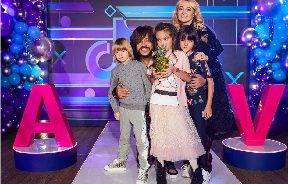 Дочь Филиппа Киркорова на свой день рождения получила золотой iPhone