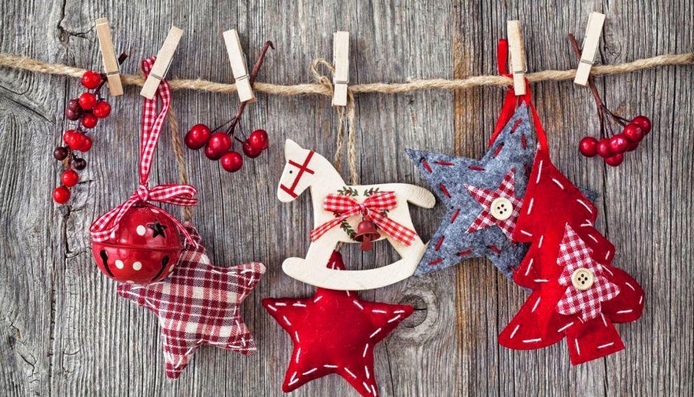 Новогодний декор обойдется россиянам в среднем в 3,5 тысячи рублей
