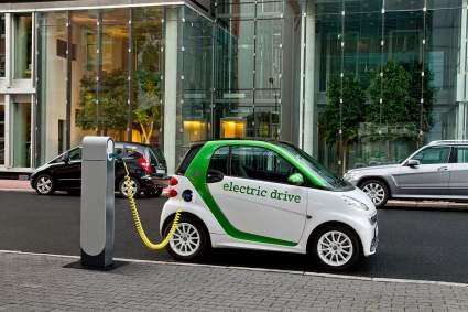 Toyota считает переход на электромобили слишком затратным для Японии