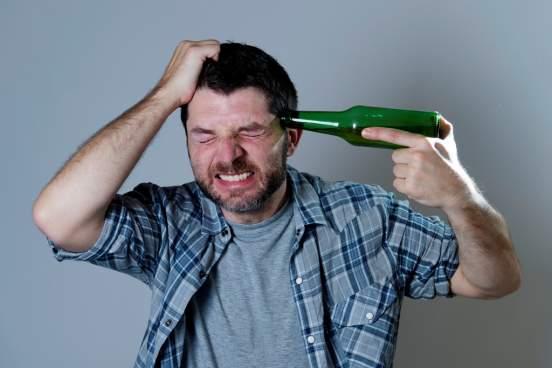Росстат установил, где в России мужчины больше всего пьют
