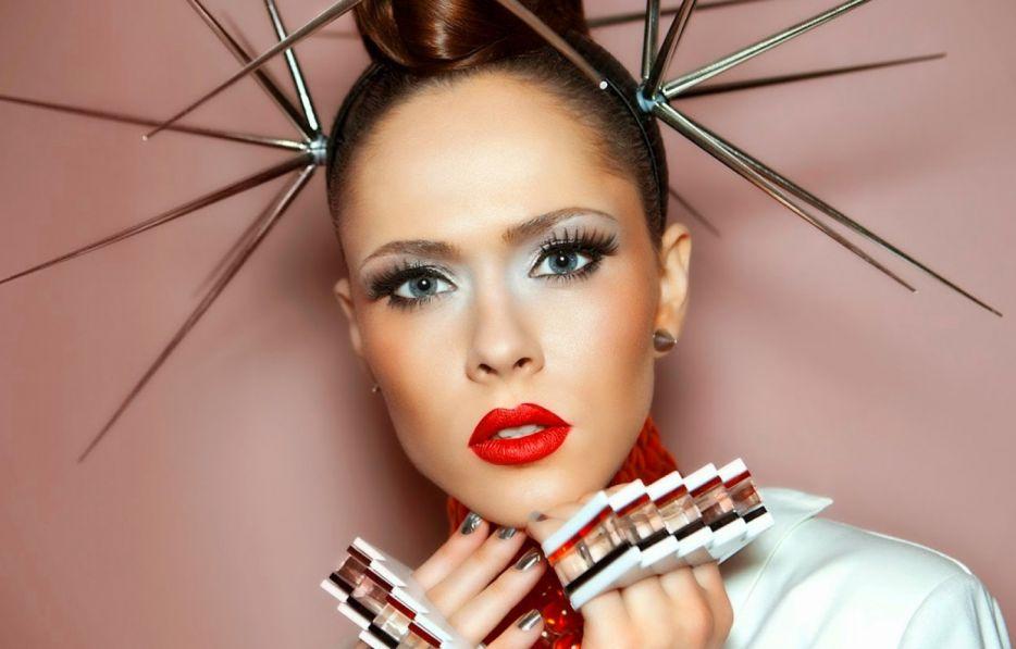 Украинская певица Санина рассказала, почему не хочет выступать в России