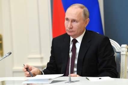 Путин призвал «инфраструктурно сшивать» российские регионы