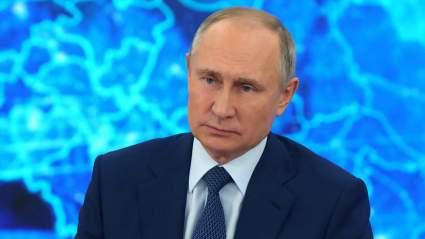 Путин охарактеризовал работу правительства России в этом году как достойную