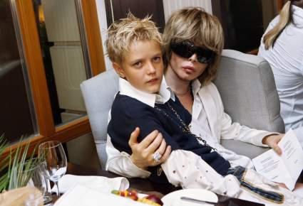 Сын Сергея Зверева прервал многолетнее молчание и попросил у отца маленькую квартиру в Коломне