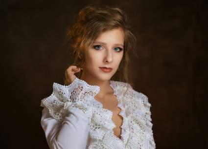 Актрису Елизавету Арзамасову сравнили с Умой Турман на фото
