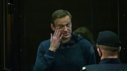 Захарова заявила о соблюдении норм по допуску дипломатов на суд по Алексею Навальному